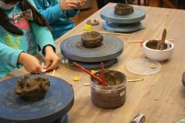 親子で参加できる陶芸体験でおじいちゃん・おばあちゃんへのプレゼントを作ろう
